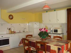 Gite Rural Le Balloir, Holiday homes  Nueil-sur-Layon - big - 6
