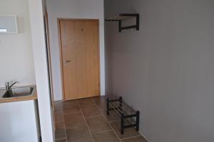 Bergás Guesthouse, Penziony  Keflavík - big - 14