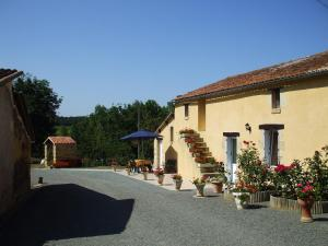 Gite Rural Le Balloir, Holiday homes  Nueil-sur-Layon - big - 1