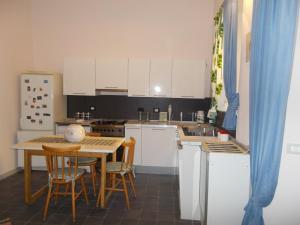 Appartamento La Cittadella, Apartmanok  Sarzana - big - 2