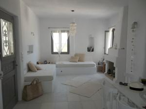 Aeraki Villas, Holiday homes  Santa Maria - big - 1