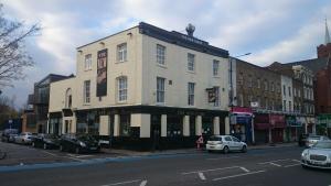Mile End Hotel