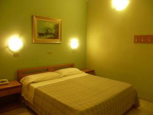 Hotel Pensione Romeo, Hotely  Bari - big - 25