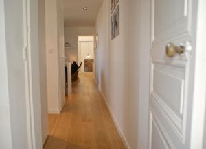 18 Crebillon, Apartmanok  Nantes - big - 7