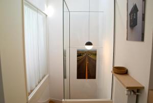 18 Crebillon, Apartmanok  Nantes - big - 10