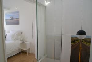 18 Crebillon, Ferienwohnungen  Nantes - big - 12