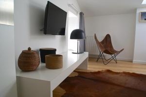 18 Crebillon, Apartmanok  Nantes - big - 14