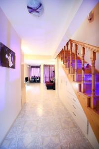 Sintria Court Apartments, Apartmanok  Balcsik - big - 41