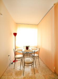 Sintria Court Apartments, Apartmanok  Balcsik - big - 4