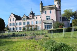 Château de Villeneuve