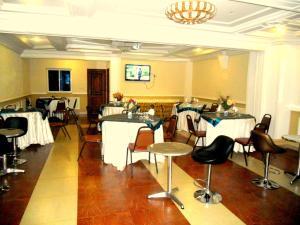 Hôtel Mbatkam Palace