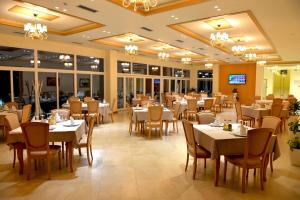 Grand White City Hotel, Hotels  Berat - big - 47