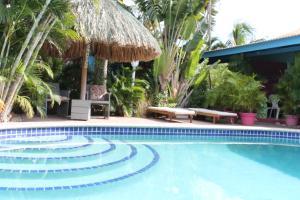 加勒比海弗拉沃公寓酒店 (Caribbean Flower Apartments)