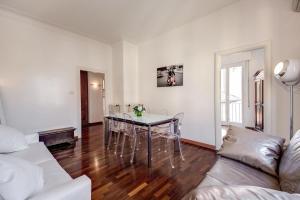 HI River View apartment Rome
