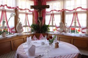 Schwarzwaldgasthaus Goldener Engel, Penzióny  Glottertal - big - 23