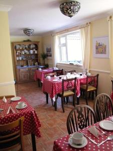 Ashe's B&B, Bed and Breakfasts  Dingle - big - 52