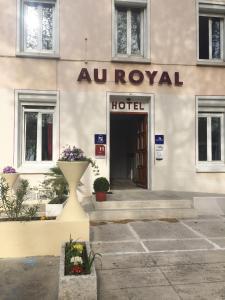Au Royal Hotel