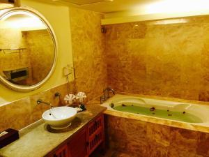Langkawi Lagoon Resort Honeymoon Suite by De Lagoon, Üdülőtelepek  Kampung Padang Masirat - big - 23
