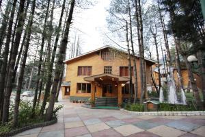 Hotel Reviews: Grand Mumtaz Resorts, Pahalgam – Rates, Picture & Deals
