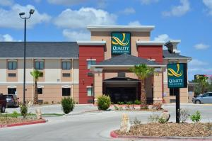 Quality Inn & Suites Kenedy - Karnes City