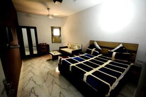 Mehra Inn