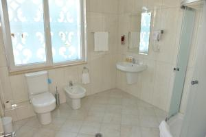 Grand White City Hotel, Hotels  Berat - big - 19