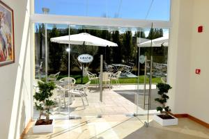 Grand White City Hotel, Hotels  Berat - big - 21