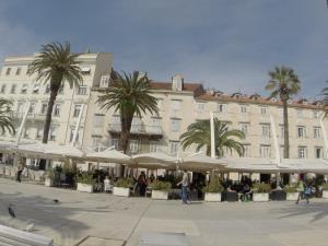 Promenade apartment