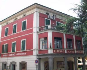 Nearby hotel : Hotel Alpino