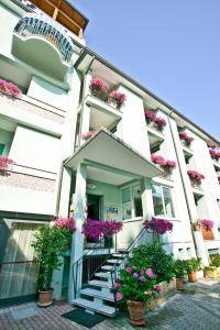 Hotel Dolcevita, Hotely  Cesenatico - big - 45