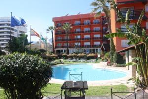 热带风情酒店 (Tropicana)