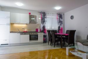 Apartment Tonino, Ferienwohnungen  Trogir - big - 11