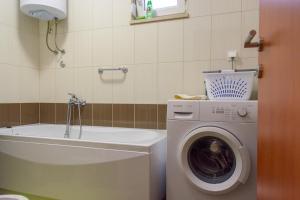 Apartment Tonino, Ferienwohnungen  Trogir - big - 12
