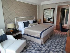 Luxury Suite With Burj View