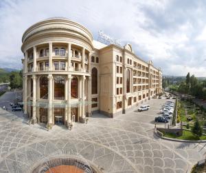 Отель Royal Tulip Almaty, Алматы