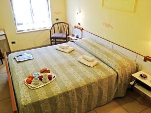 Prenota Hotel Villa Laura