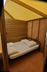 Camping Colline de Rabais, Campsites  Virton - big - 29