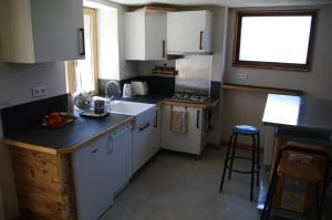 Appartement Dans Chalet de Montagne, Апартаменты  Bozel - big - 6