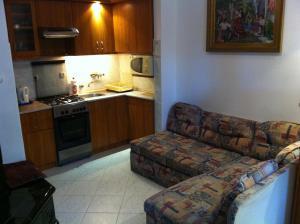 Hortenzia Apartmanház, Ferienwohnungen  Balatonlelle - big - 23