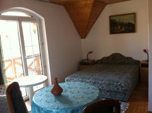 Hortenzia Apartmanház, Ferienwohnungen  Balatonlelle - big - 20