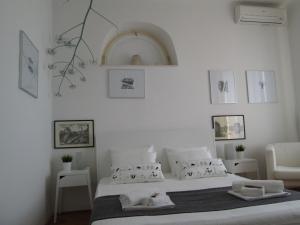 St. Lazarus Room