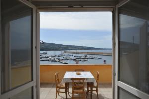 Isola Rossa Casa al Porto