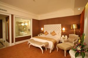 Фото отеля Datong Guobin Hotel