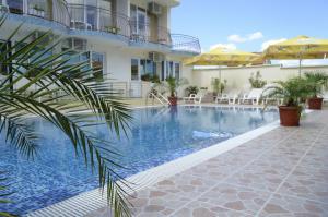 Family Hotel Bohemi, Hotels  Ravda - big - 46