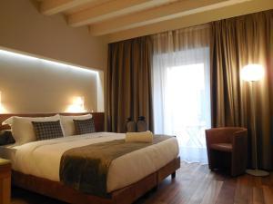Hotel economici a peschiera del garda da 39 trabber hotel for Hotel milano economici
