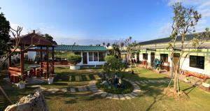 LanHai Inn
