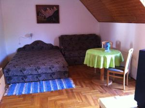 Hortenzia Apartmanház, Ferienwohnungen  Balatonlelle - big - 13