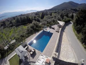 Luxurious Villa Kastro with Salt Water Swimming Pool, Ville  Nikiana - big - 15
