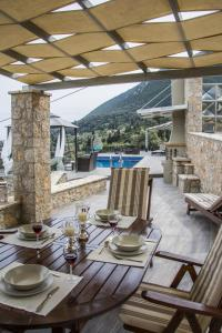 Luxurious Villa Kastro with Salt Water Swimming Pool, Ville  Nikiana - big - 43
