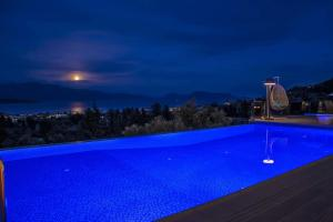 Luxurious Villa Kastro with Salt Water Swimming Pool, Ville  Nikiana - big - 1